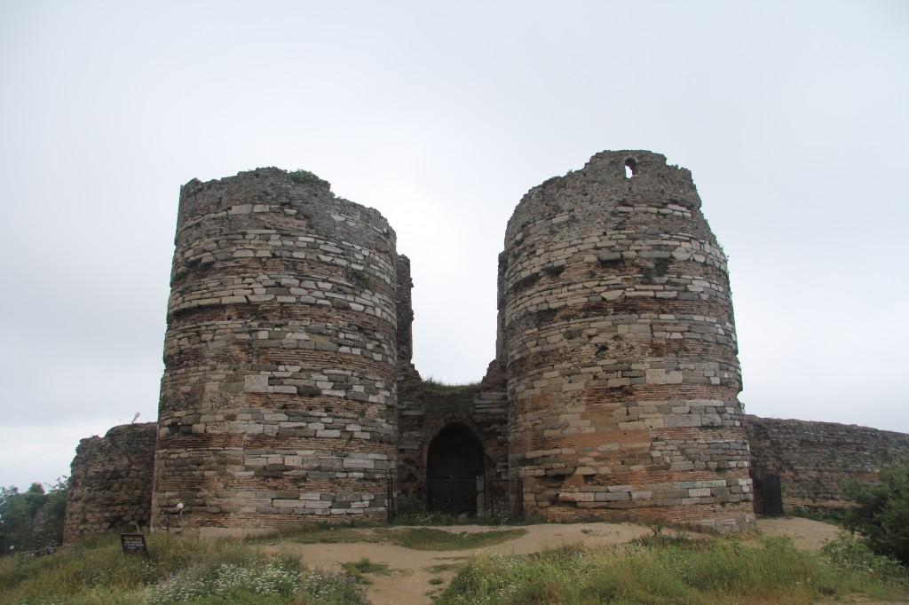 Yoros Castle 081
